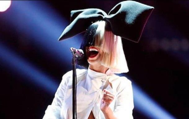 Певицу Sia сделали мультяшной девочкой в новом клипе