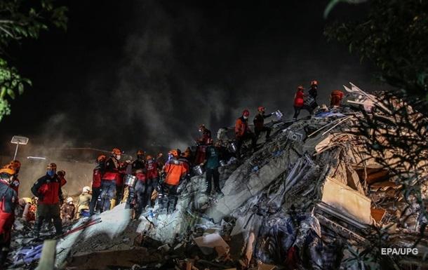 Число пострадавших от землетрясения в Турции превысило 800 человек