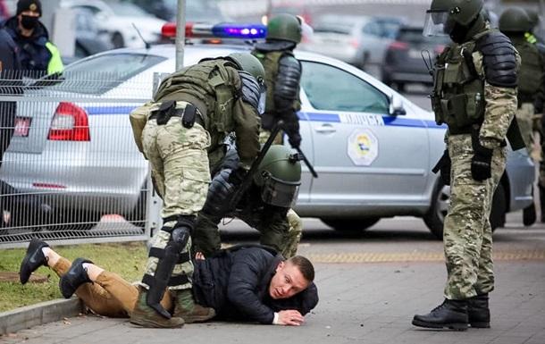 На протестах в Минске стрельба и задержания