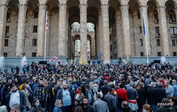 Протесты в Грузии. У парламента установили палатки