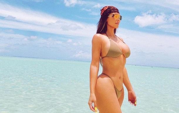 Ким Кардашьян показала шикарный отдых в тропиках: фото, видео