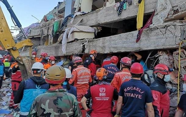 Жертвами землетрусу в Туреччині стали майже сто осіб