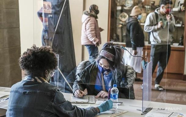В США досрочно проголосовали 100 млн избирателей
