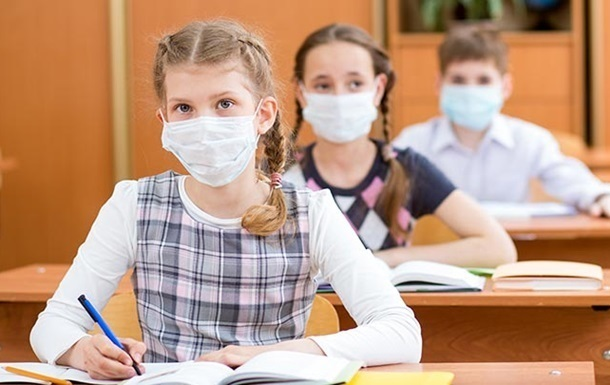 Степанов назвав кількість хворих на COVID школярів і вчителів