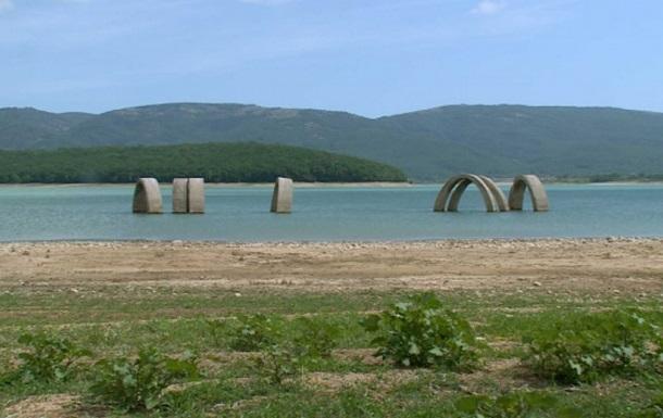 В Крыму продолжают падать запасы воды, несмотря на осадки