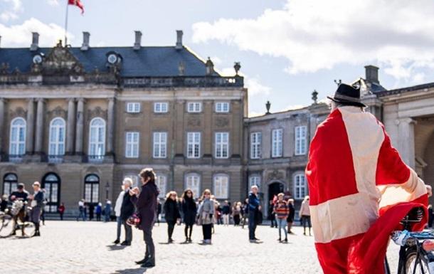 Уряд Данії пішов на самоізоляцію