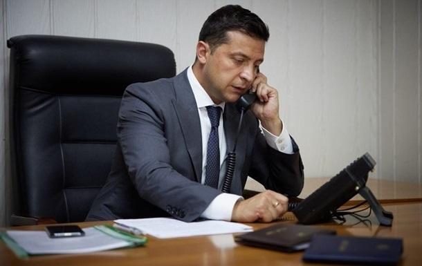 Зеленский провел телефонный разговор с Болсонару