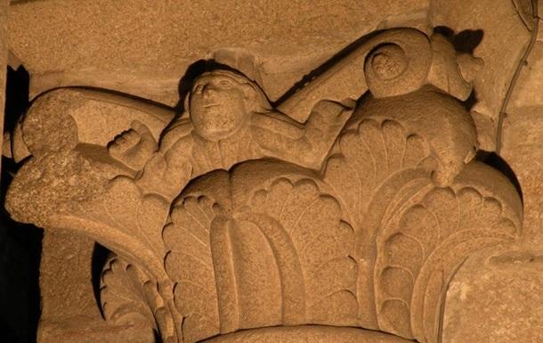 В испанском соборе нашли каменное  селфи : фото