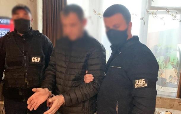 У Києві поліцейського спіймали на збуті амфетаміну