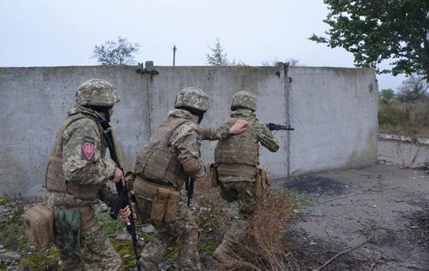 Британські військові проводять навчання курсантів ЗСУ