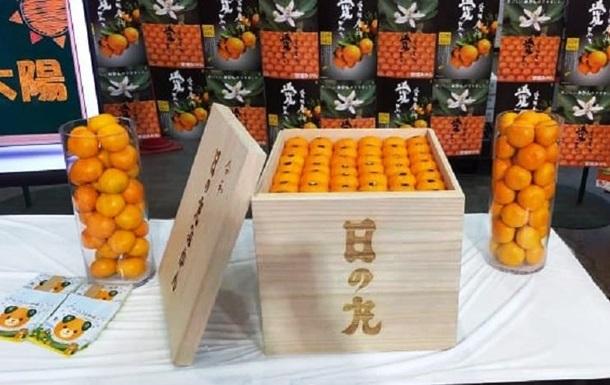 У Японії продали ящик мандаринів за мільйон єн