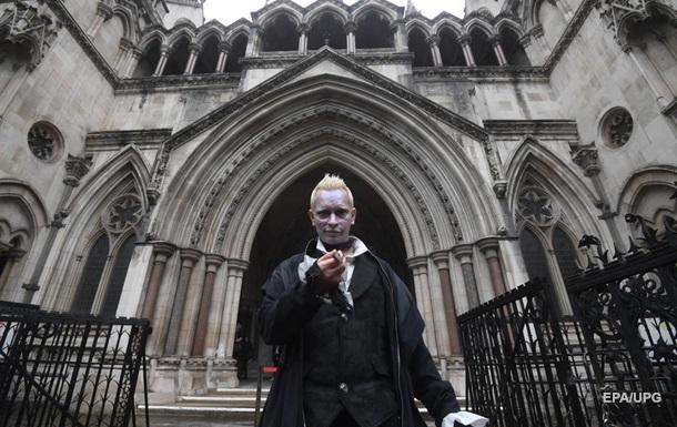 Джонни Деппа призвали отказаться от роли через суд о клевете