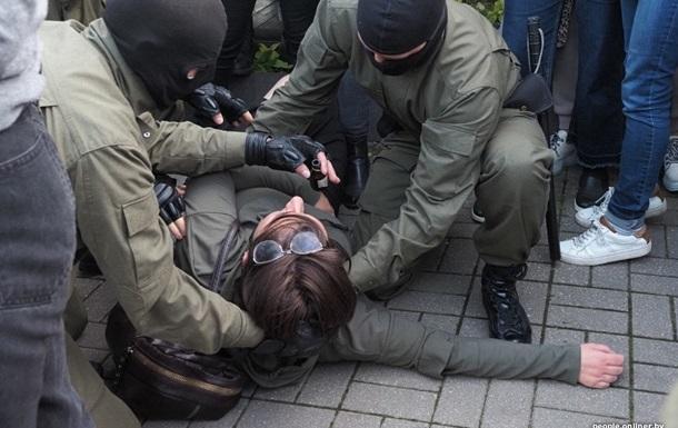 У Мінську почалися затримання учасників протесту
