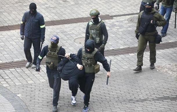 В Минске проходят массовые задержания протестующих