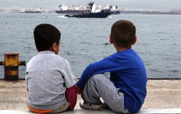У берегов Греции перевернулась лодка с мигрантами, погиб ребенок