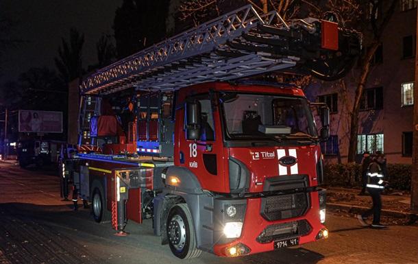 В Киеве при пожаре в общежитии эвакуировали 120 человек