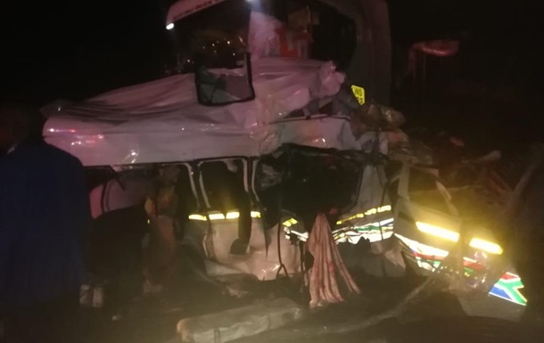 В ЮАР произошла масштабная авария, 14 жертв