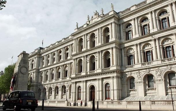 Лондон высылает двух белорусских дипломатов