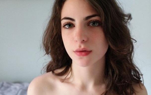 Слишком красивая: модель заблокировали в Tinder из-за популярных фото