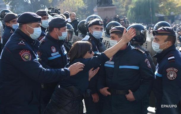 В Ереване проходят массовые задержания активистов