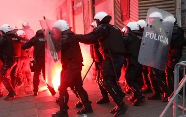 Марш в Варшаве: полиция применила оружие, есть раненые