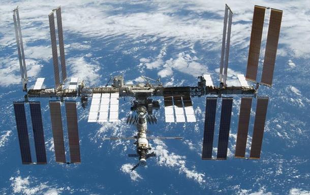 Первые космические туристы подписали контракт