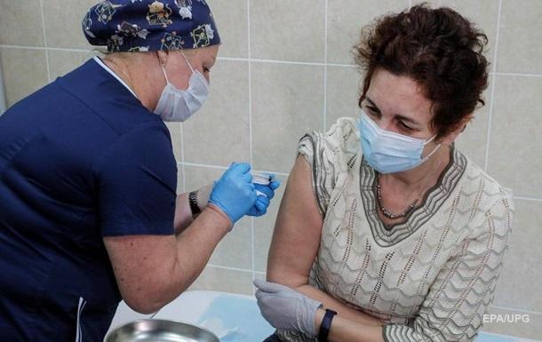 В России выявили коронавирус у еще одного вакцинированного медика