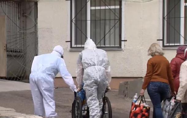 В Черкассах женщина с COVID родила на улице у закрытой двери больницы