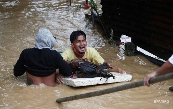 Филиппинами прошел тайфун Vamco. Фоторепортаж