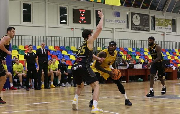 Матч Киев-Баскет – Тернополь перенесен из-за высокой температуры у игроков гостей