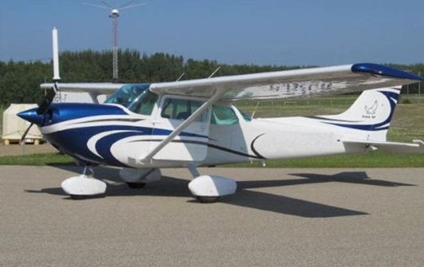 В Калифорнии самолет упал при посадке, пилот погиб