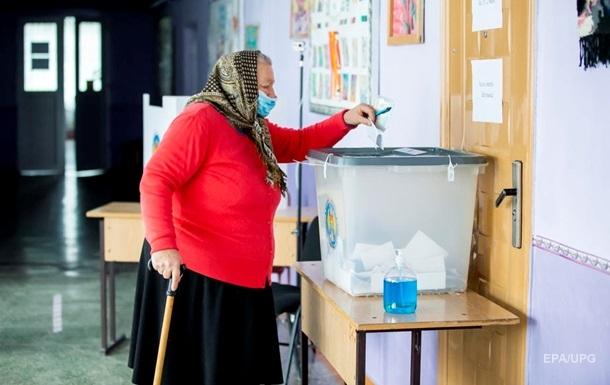 Выборы в Молдове: Санду обошла Додона