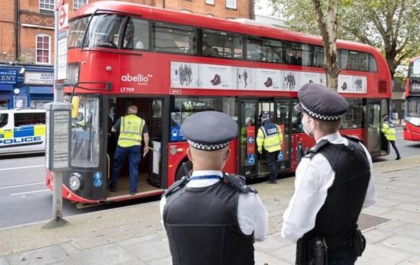 Британця оштрафували на велику суму за проїзд без маски в транспорті