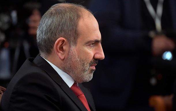'Скулящие': Пашинян посоветовал военным решить вопрос с протестующими