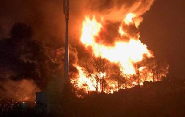 В Бредфорде из-за пожара закрыли школы