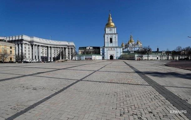 Україну відвідали в чотири рази менше іноземних туристів