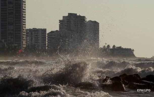 В Центральной Америке бушует ураган Йота