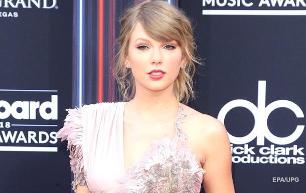 Тейлор Свифт не удалось выкупить права на свои альбомы