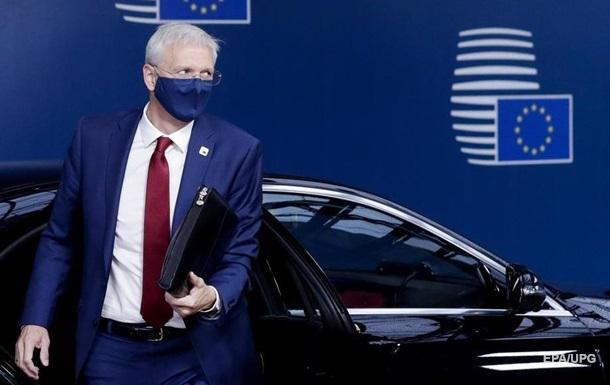 В Латвии Премьер пошел на самоизоляцию