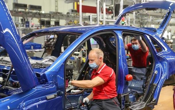 Правительство ФРГ выделит автопромышленности еще три миллиарда евро