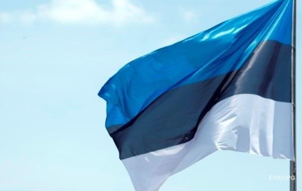 В Эстонии уволили министра образования после скандала со служебным авто