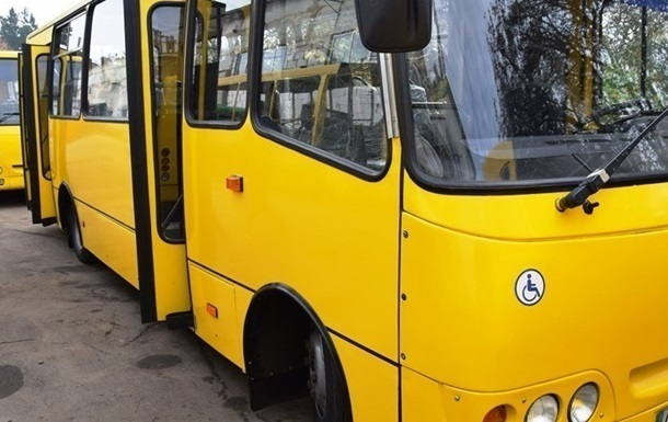 У Києві згоріла маршрутка