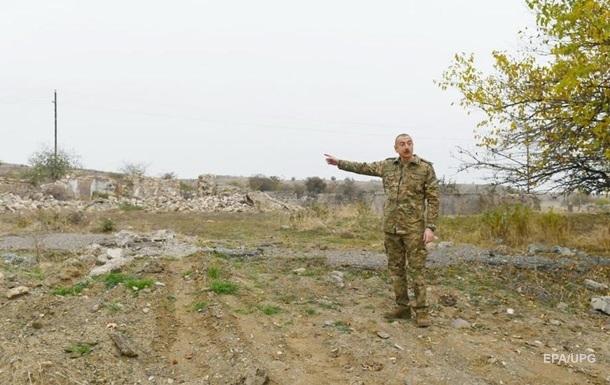 Алиев сел за руль броневика, чтобы прокатиться по Карабаху