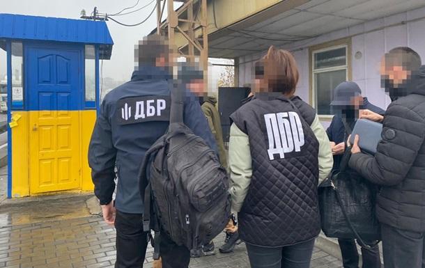 Виявлено схему контрабанди бурштину з України в Молдову