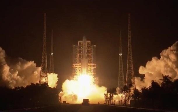 Китай отправил зонд на Луну