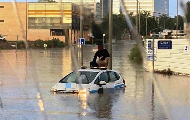 Потужні зливи викликали повені в Ізраїлі