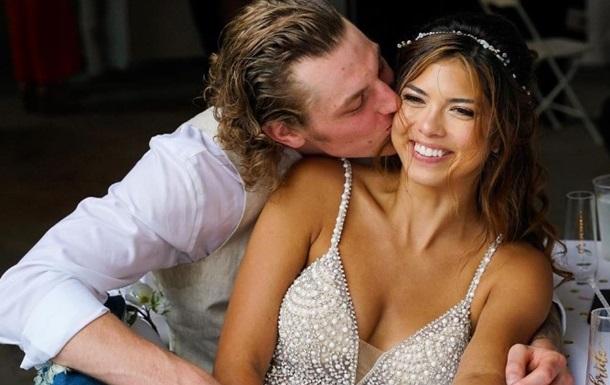 Опасные танцы: Жених попал ногой в лицо невесте
