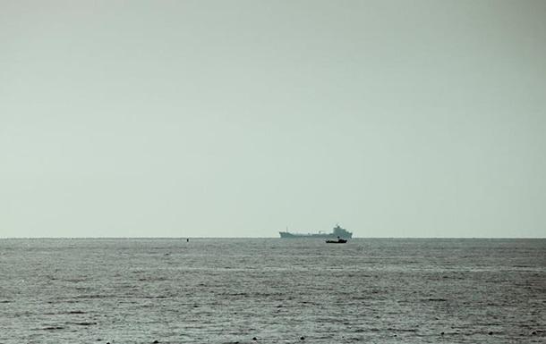 У Червоному морі підірвався на міні нафтовий танкер