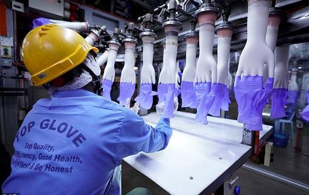 Самый крупный изготовитель медицинских перчаток закрыл половину заводов