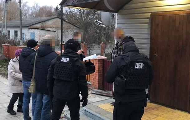 ДБР провело обшуки в лісгоспах Київської області
